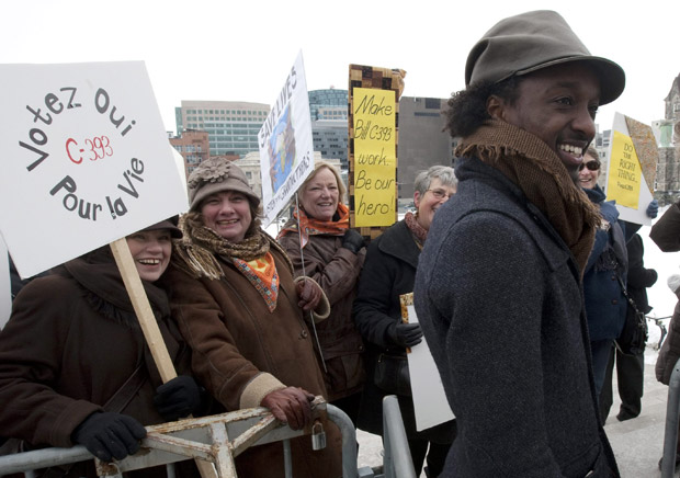 K'naan backs NDP's drugs-for-Africa bill ahead of C-393 vote - image