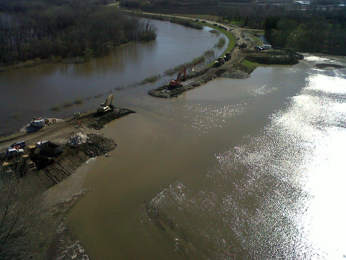 Manitoba flood assiniboine river hoop and holler
