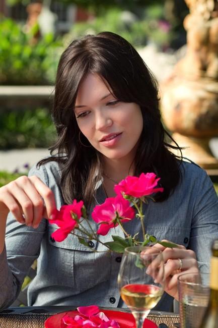 Movie review: RSVP no to the tedious, trite romantic comedy 'Love, Wedding,  Marriage' | Globalnews.ca