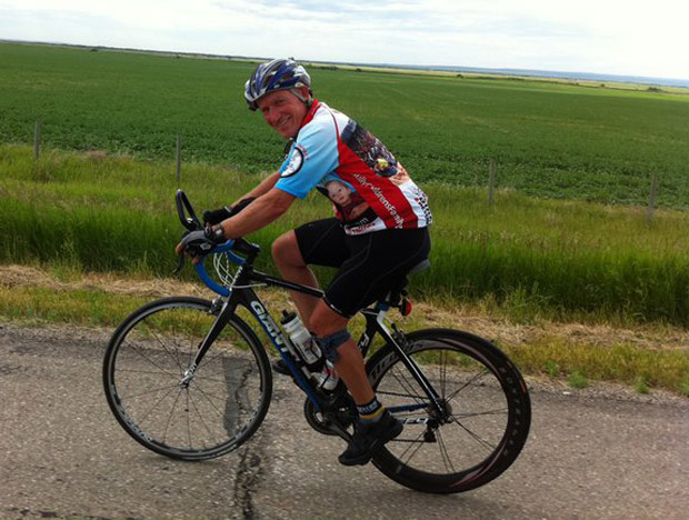Arvid Loewen is hoping to breaking a marathon cycling record.
