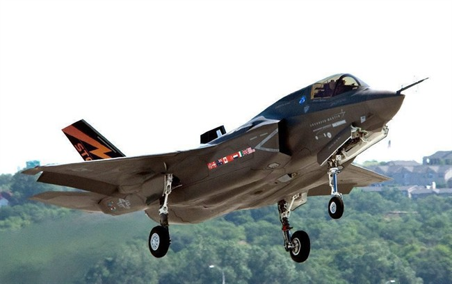 A Lockheed Martin F-35 Joint Strike Fighter is shown in this undated handout photo. Canadian fighter pilots selected to fly the new F-35 could find themselves trained by either the U.S. - or a private contractor, according to internal air force documents.