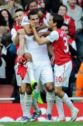 Continue reading: Van Persie lifts Arsenal into top half of Premier League, Newcastle holds Spurs