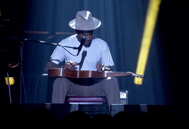 Singer-songwriter Ben Harper headlines this year's Jazz Winnipeg Festival.