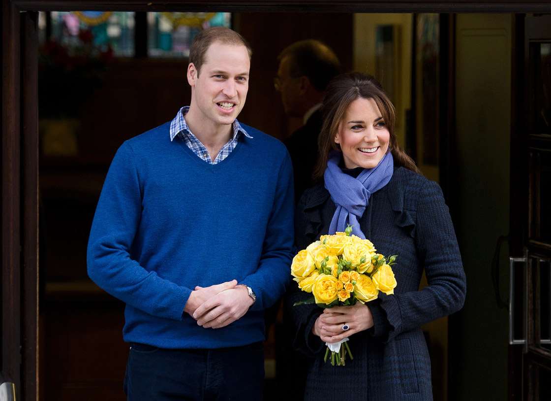 Wills and Kate leave the hospital