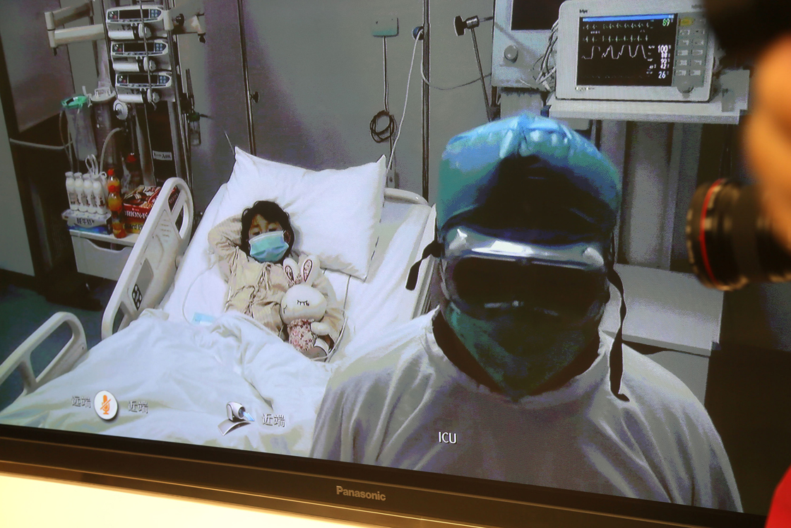 This picture taken on April 13, 2013 shows Beijing's first human case of H7N9 bird flu, a 7-year-old girl.