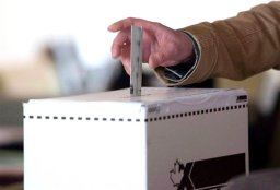 Continue reading: Federal election 2015: Find your riding, your local candidates and their voting history