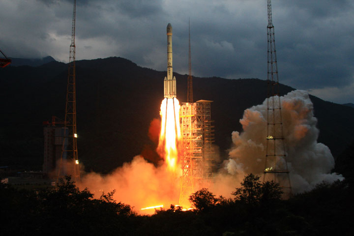 A Long March 3C (CZ-3C) rocket lifts off from the launch pad at the Xichang Satellite Launch Center (XSLC) on October 1, 2010 in Xichang, Sichuan, China. China plans to send its first unmanned rover to the moon by the end of the year.