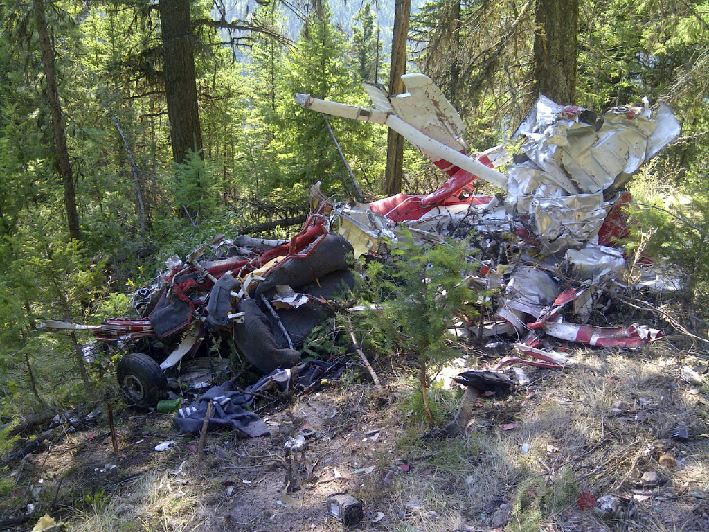 The Transportation Safety Board of Canada has released photos of the plane crash that killed a teen pilot earlier this week.
