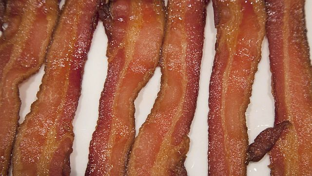 Yet another report is zeroing in on bacon, and processed meat, and cancer risk.