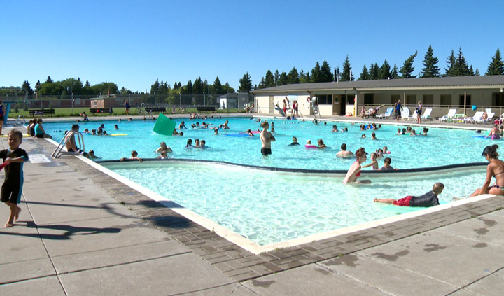 Decent August weather helps extend civic swimming pools time for Saskatoon residents.