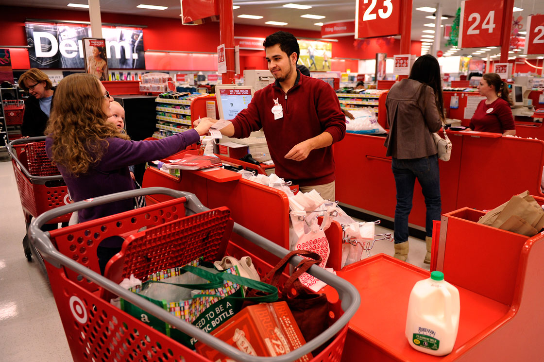 Holiday seasonal workers in much of Canada and the U.S. can expect higher paycheques this year.