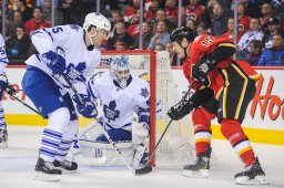 Continue reading: Van Riemsdyk, Bernier lift Leafs to 4-2 win