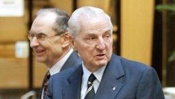 Continue reading: Canadian business giant Desmarais dead at 86