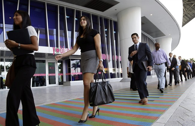 Feds should track unpaid internships, MPs say - image