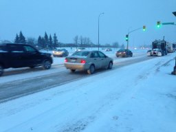Continue reading: Winnipeg traffic tangles, highway conditions worsen as storm hits Manitoba