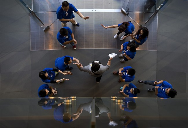 Apple reaches deal to bring iPhone to China Mobile - image