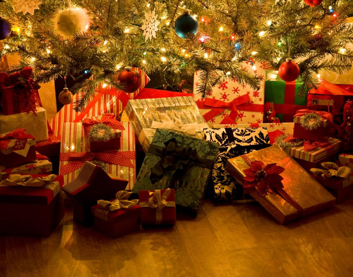 Christmas shopping and gift-free holidays