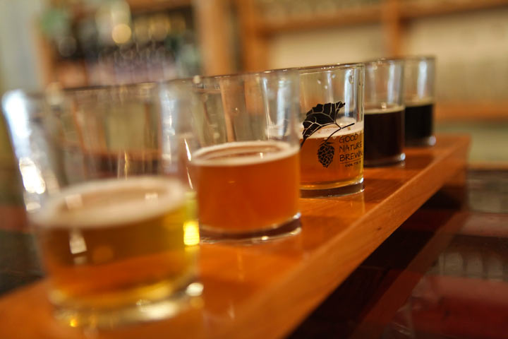 Craft breweries often look to pubs instead of government retailers. to get their beer to consumers.