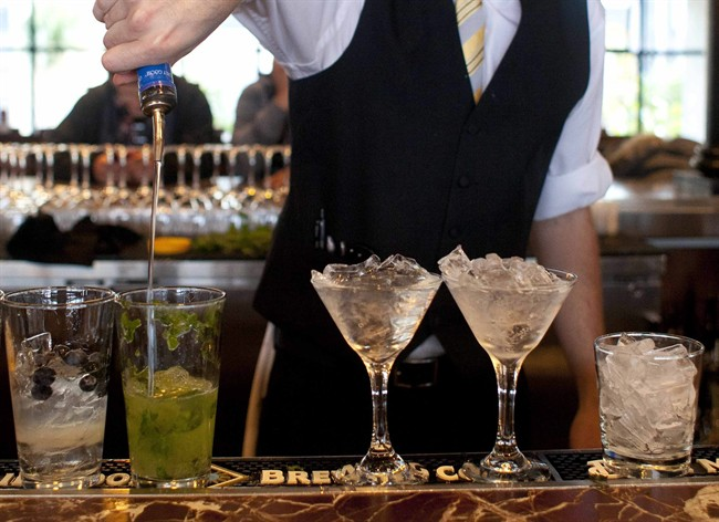 Researchers in Washington have set up a replica bar in their lab to study heavy drinking.