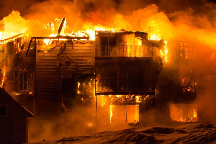 A fire destroyed a seniors residence in L'Isle-Verte, Que., and police early Thursday said three people were confirmed dead and 30 missing.