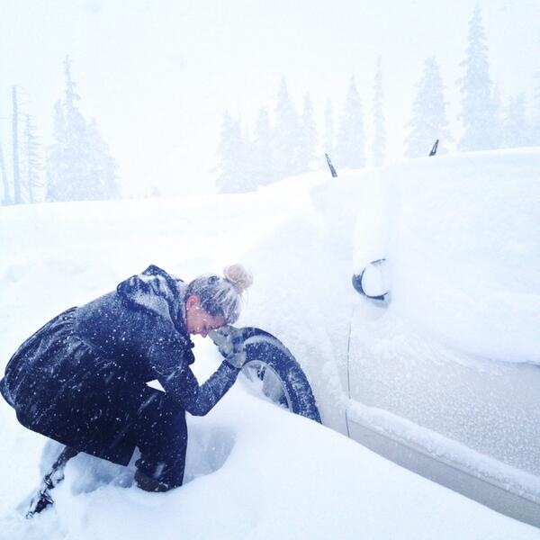 A blizzard Sunday afternoon stranded motorists on the Mount Washington Highway as crews responded to multiple collisions.