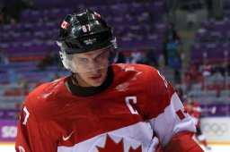 Continue reading: Crosby cruising to Hart Trophy