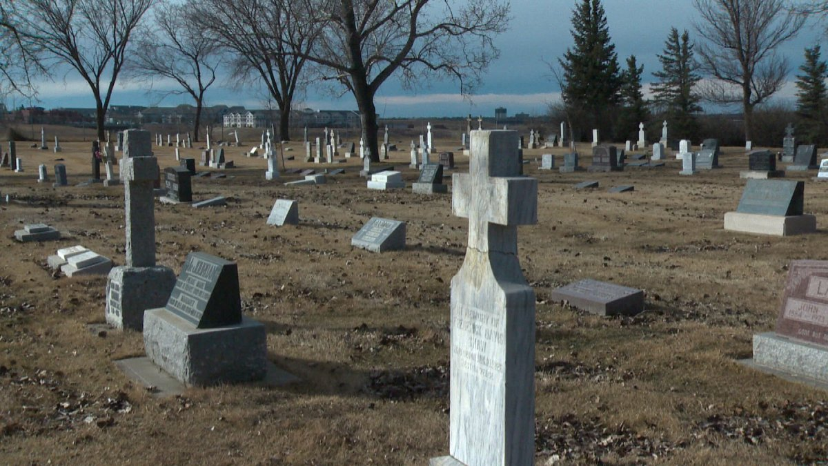The Public Health Agency of Canada recommends funeral homes make advance plans for what to do if their own staff get sick, including making arrangements with volunteers from service clubs or churches to dig graves.