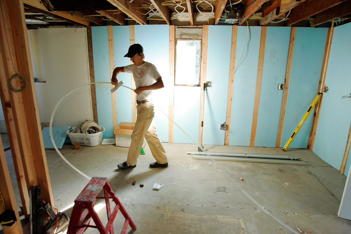 Canadians want to renovate, but cost is a big worry