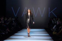 Continue reading: Sunny Fong of VAWK shows suiting, metallics at Toronto fashion week
