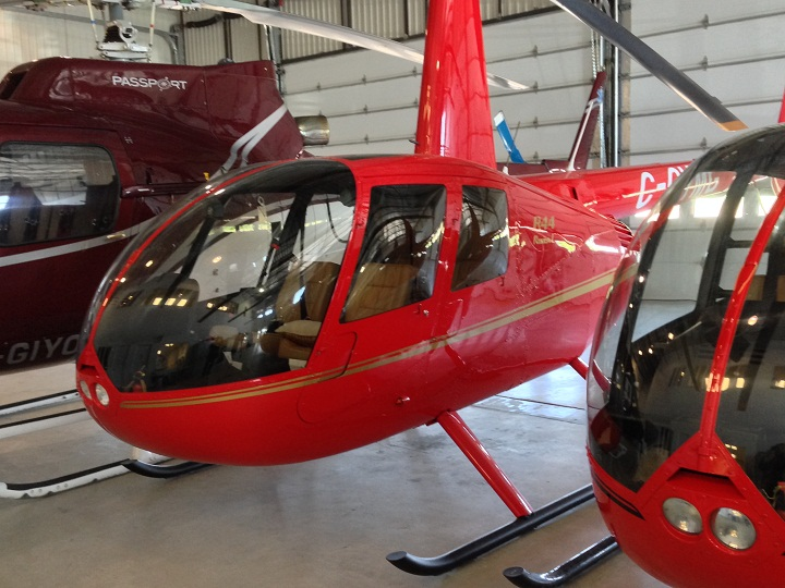 The type of helicopter used in both Quebec jailbreaks appears to be the same: a Robinson R-44.