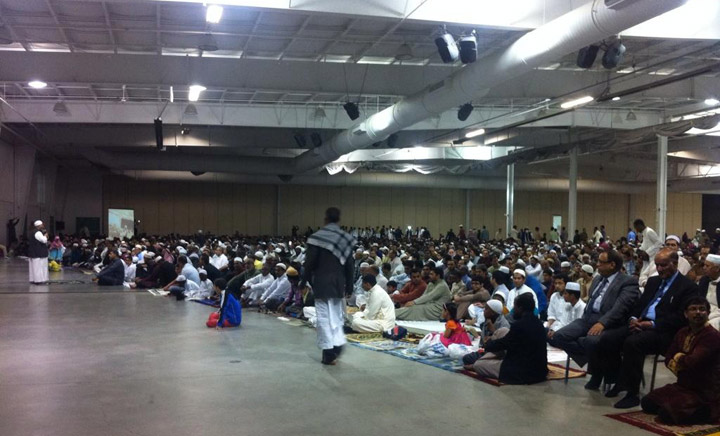 Thousands in Saskatoon's Muslim community gathered Monday to pray, marking the conclusion of a month long fast.