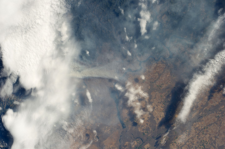 Northwest Wildfires Spotted by ISS