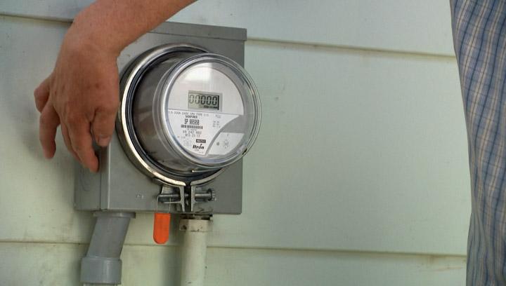 A smart meter failure in Saskatoon's College Park neighbourhood is the eighth in Saskatchewan, placing SaskPower in the cross-hairs.