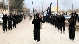 Continue reading: Islamic State group militants use child soldiers in Syria and Iraq