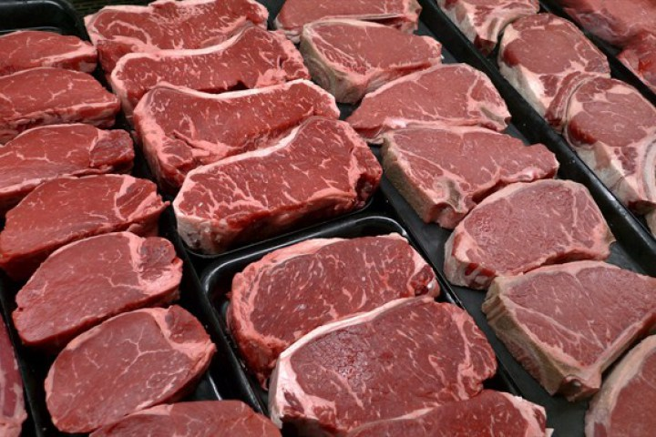 Feeling hungry? Load up on protein if you're trying to lose weight, new research suggests.