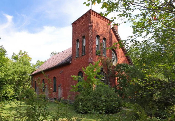 The church in Farnham, QC that was once owned by Arcade Fire.
