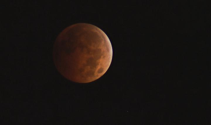 Blood moon lunar eclipse Winnipeg