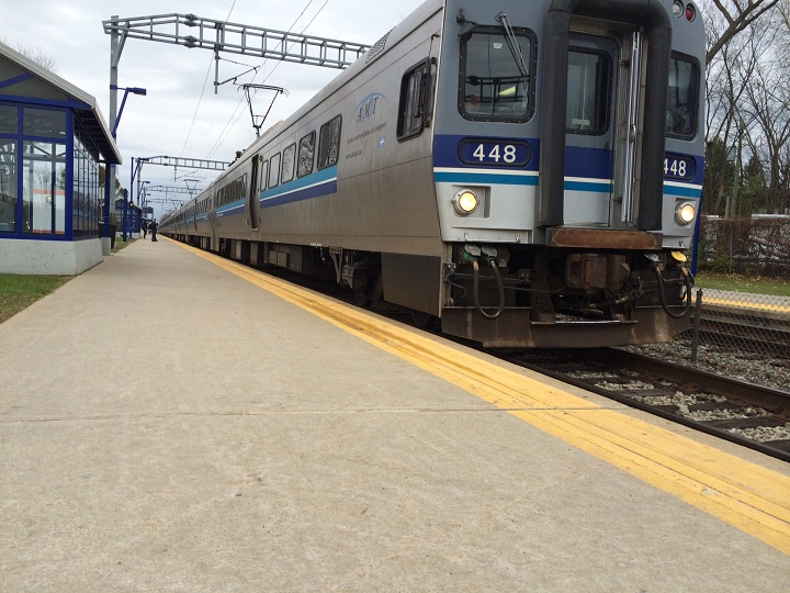Montreal's commuter train service, the AMT, has settled out of court over 2009 service disruptions.
