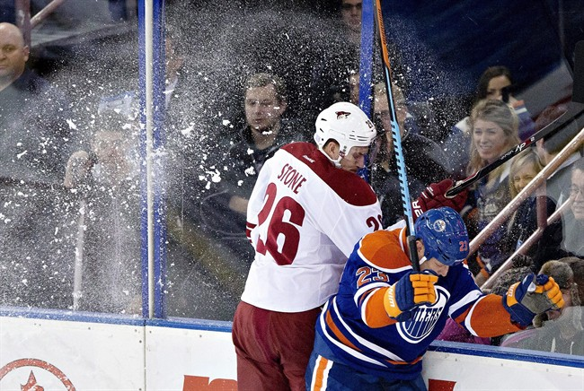 Dubnyk solid in goal as Coyotes edge Oilers 2-1 - image