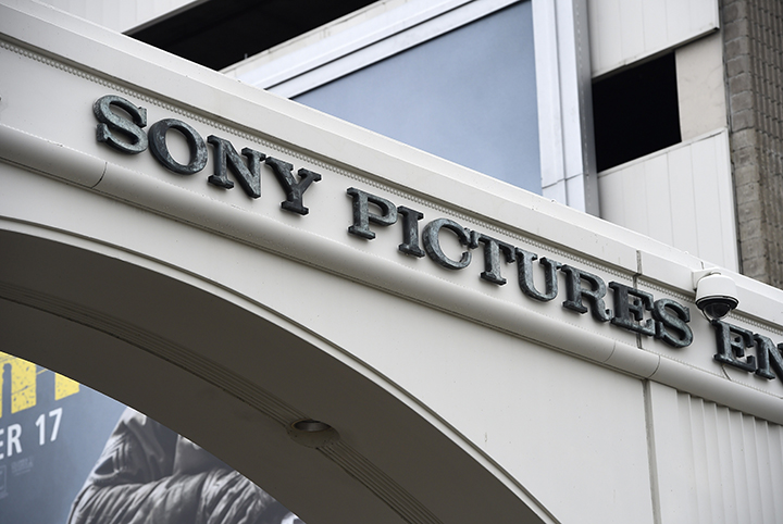 Whistleblower site WikiLeaks has put hundreds of thousands of emails and documents from last year's Sony hack into a searchable online archive.
