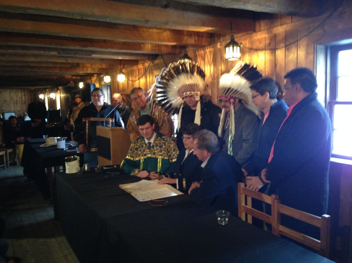 The Chiefs of Alberta Treaty Six First Nations and the Fort Edmonton Management Company sign a memorandum to work together to present stories from communities of the territory, Thursday, Jan. 29, 2015.
