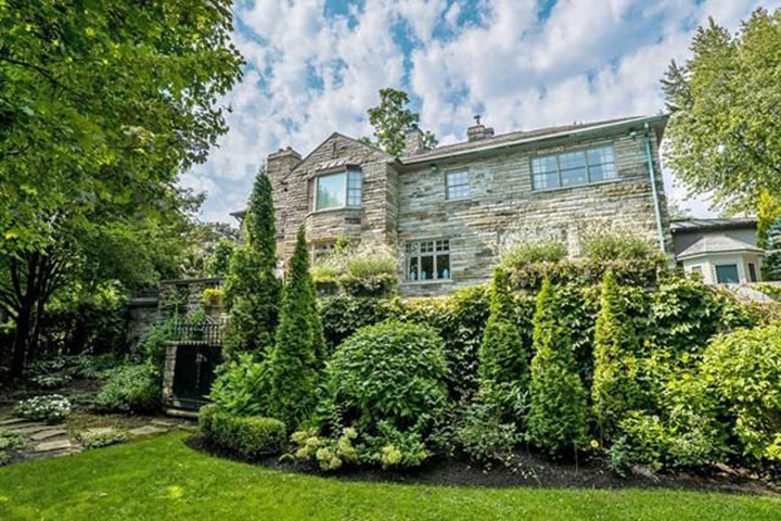 The Mulroney family home in Westmount remains on the market.