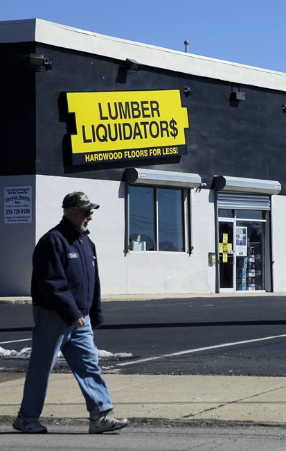 Retailer Lumber Liquidators says it stands by its products and will pay for the safety testing of laminate floors for qualifying customers.