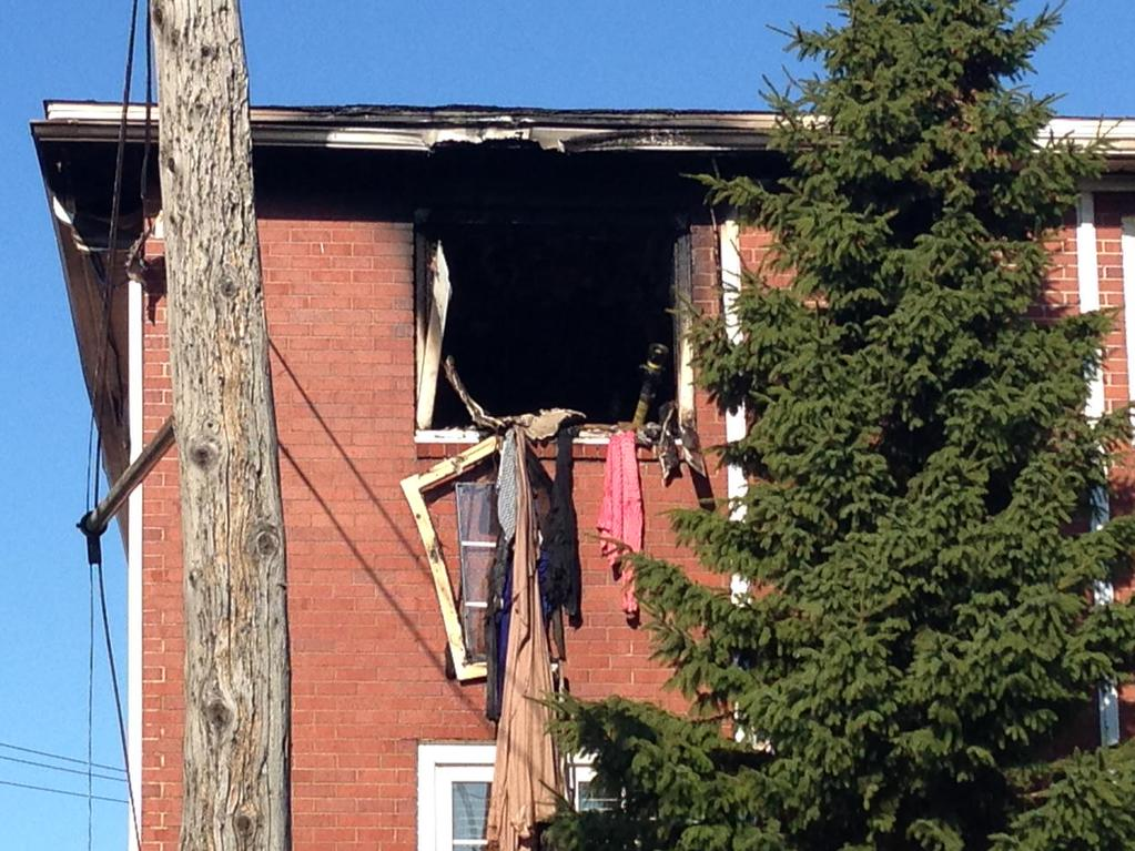 An early morning fire on Belmont Street in Moncton has displaced 14 people.
