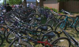 Continue reading: Rock 102 gives 260 students bikes to roam around Saskatoon