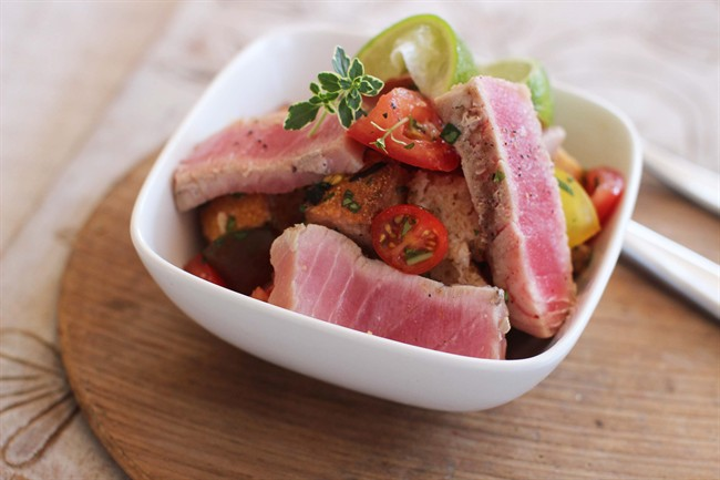Ban boring baked fish! It's time for grilled tuna panzanella