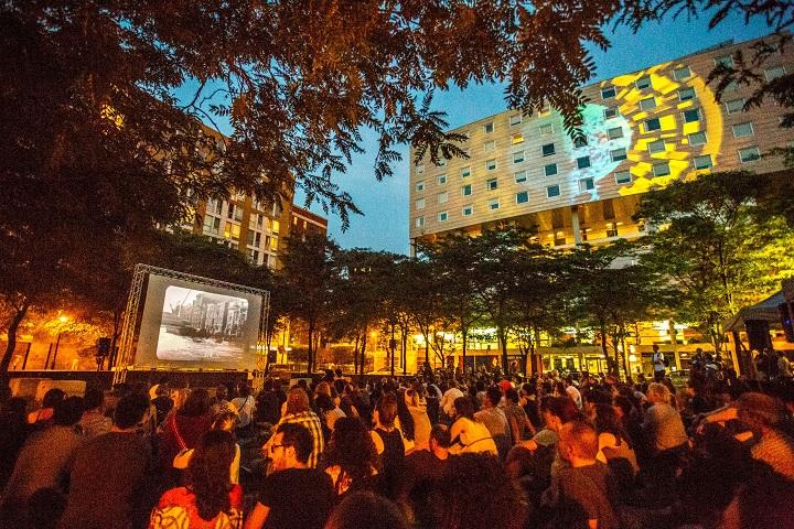 Cinéma urbain à la belle étoile
