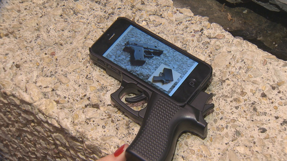 RCMP responds after gun-shaped iPhone case causes panic on Manitoba beach - image