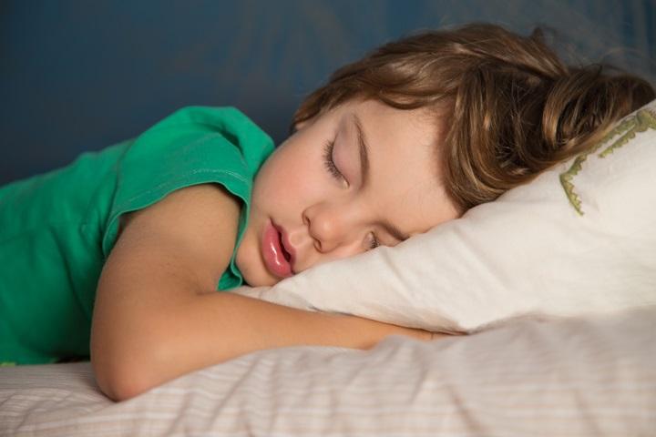 Sleep doula Tracey Ruiz suggests getting an early start on back-to-school sleep routines.