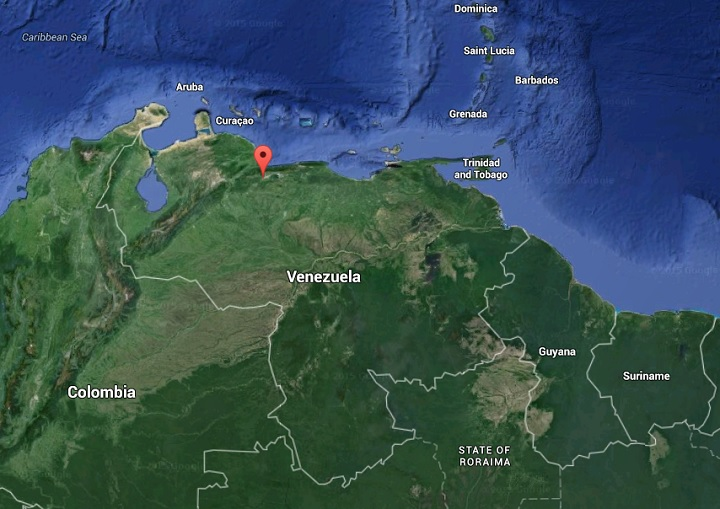 A fire ripped through an overcrowded Venezuelan prison Monday, killing 17 and injuring 11.
